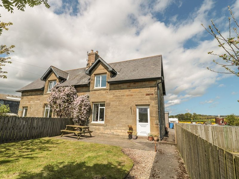 Appletree, ALNWICK, holiday rental in Longhoughton