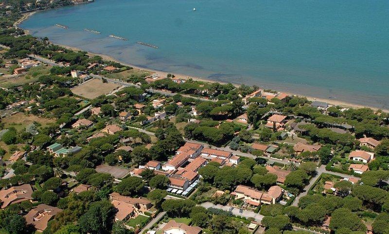 Residence Airone - bilocale 4+1 posti letto, casa vacanza a Orbetello