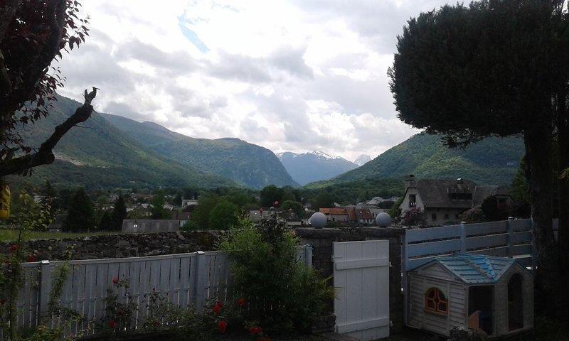 La maison de vacances. campagne .montagnes ...idéale., casa vacanza a Herrere