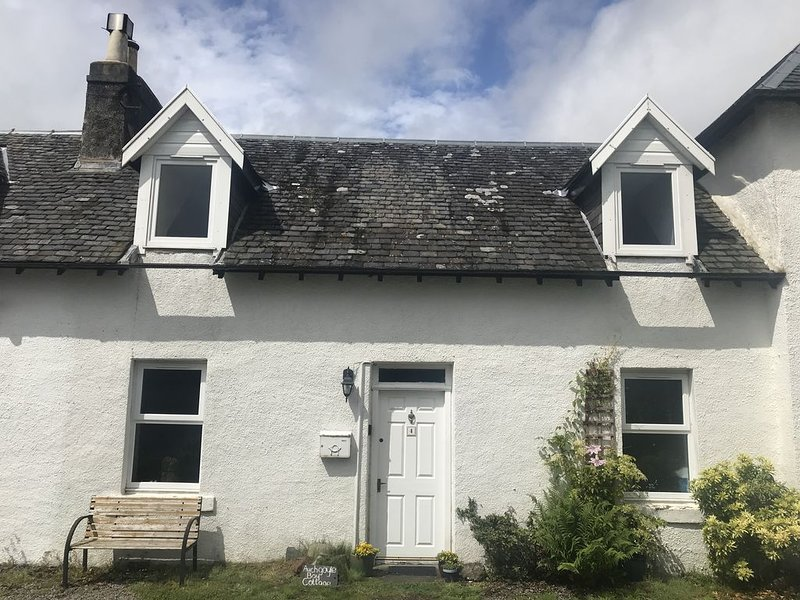 Cosy cottage with direct view of Loch Fyne, location de vacances à Ford