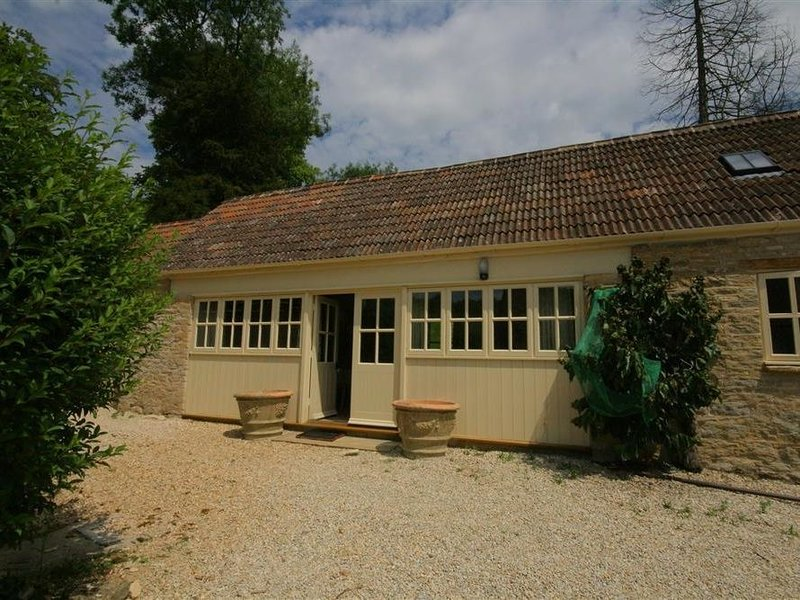 Upper Mill Barn, COLN ST ALDWYNS, holiday rental in Cirencester