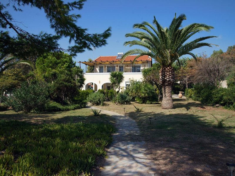 ELEGAND AND SERENE HOUSE ON THE BEACH, vacation rental in Koroni
