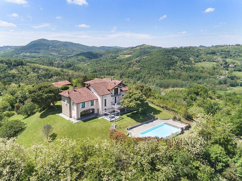 Villa I Turri, lusso nei vigneti, vakantiewoning in Ponzone