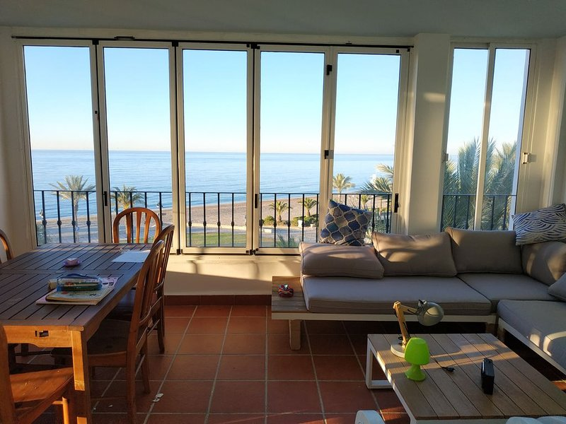 Spacious house with shared pool, holiday rental in Aguadulce