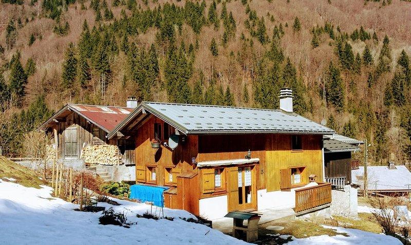 Chalet 3étoiles au calme avec vue magnifique sur la montagne à Sixt Fer à Cheval, location de vacances à Sixt-Fer-a-Cheval