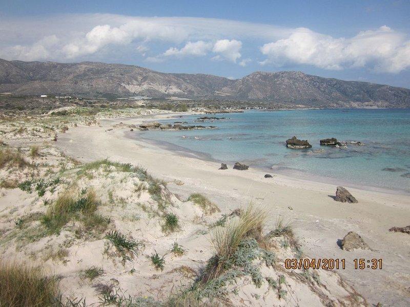 A praia de Elafonissos