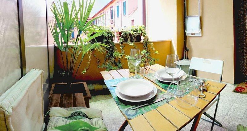TERRAZZA SUL CORTILE IN PALAZZO D'EPOCA - Centro città - Zona universitaria, holiday rental in Verona