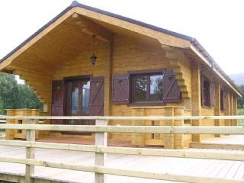 Cosy Log Cabin In the Highlands, Chalet Blaich – semesterbostad i Onich