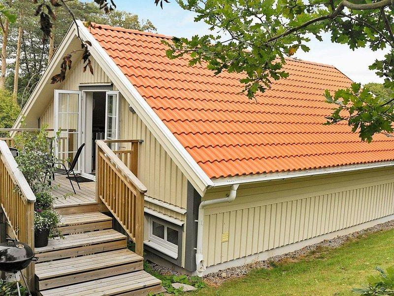 4 star holiday home in Fjällbacka – semesterbostad i Grebbestad
