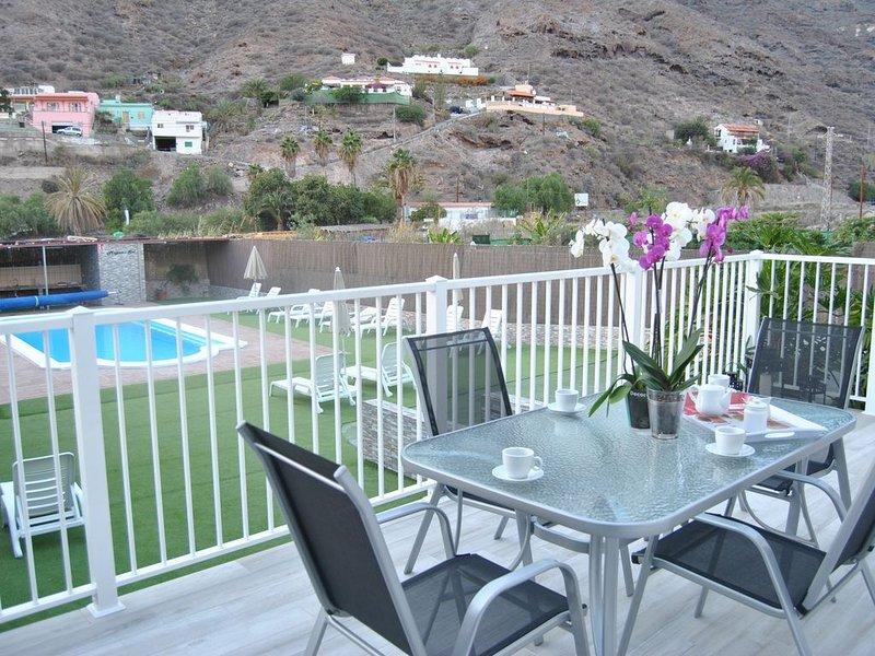 Mogán Sol, precioso apartamento con piscina a 3 km. de Puerto de Mogán, aluguéis de temporada em Las Burillas