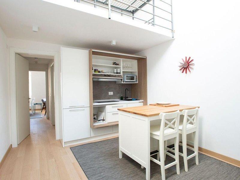 Topprenoverad lägenhet, 200 meter från havet i gamla stan i Sestri Levante, vacation rental in Sestri Levante