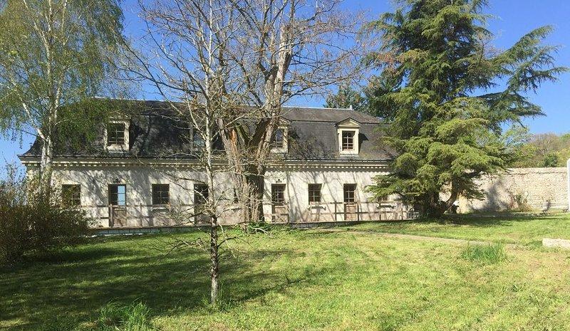 Beau cottage jardin duplex avec terrasse piscine Azay le rideau, location de vacances à Villandry