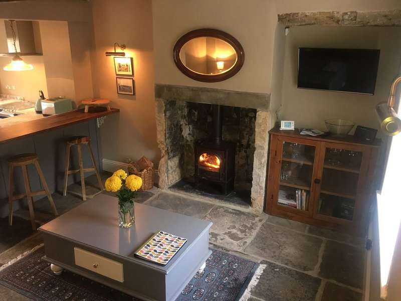 Charming, recently renovated, cosy cottage for two in Wetherby, holiday rental in Spofforth