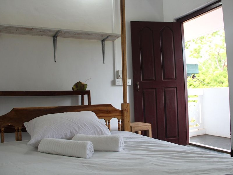 ECO FRIENDLY & AUTHENTIC HOLIDAY HOUSE, holiday rental in Batticaloa