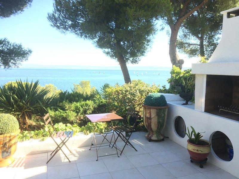 maison avec vue sue étang de berre, location de vacances à Port-de-Bouc