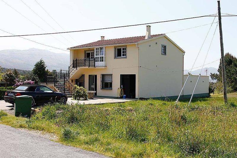 Casa - 3 Dormitorios - 102076, vacation rental in Corrubedo