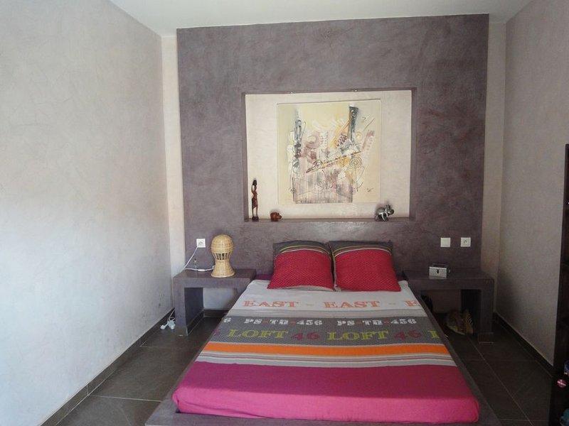 MAGNIFIQUE VILLA T5 TOUT CONFORT AVEC PISCINE PROCHE TOUTES COMMODITES, vacation rental in La Petite Cote