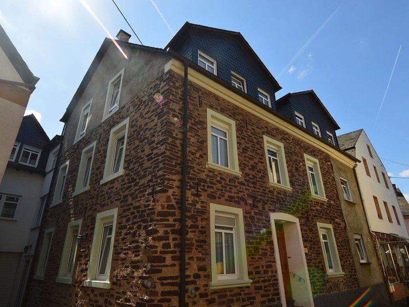 Comfortable Apartment in Ediger-Eller Eifel near Town Centre, location de vacances à Ediger-Eller