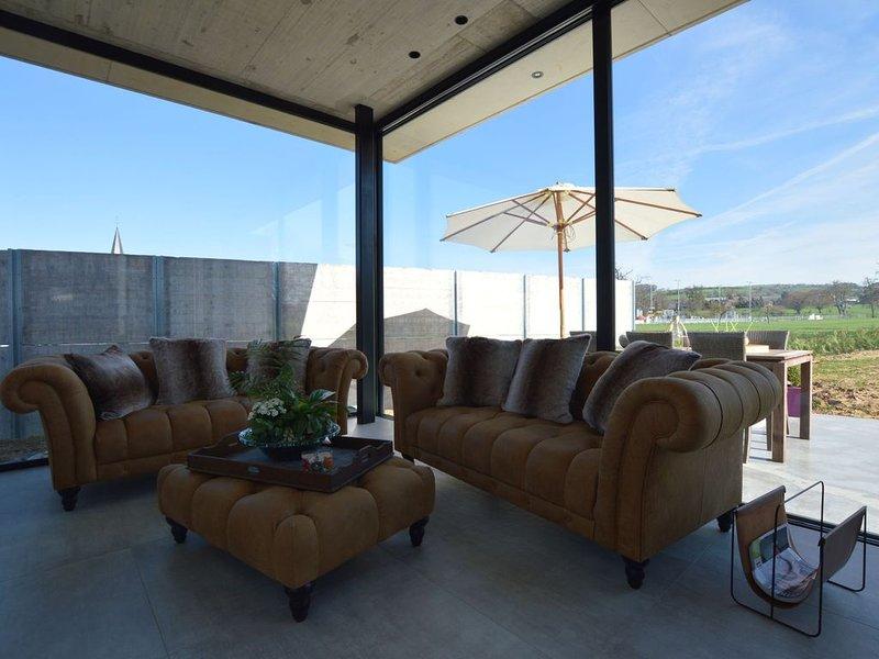 Cozy Villa in Dalhem Ardennes with Private Garden, alquiler vacacional en Berneau
