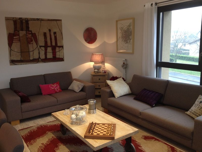 Appart 'cocooning' 89m2/terrasse dominante 33M2/Clim chambre 1, holiday rental in Roisey