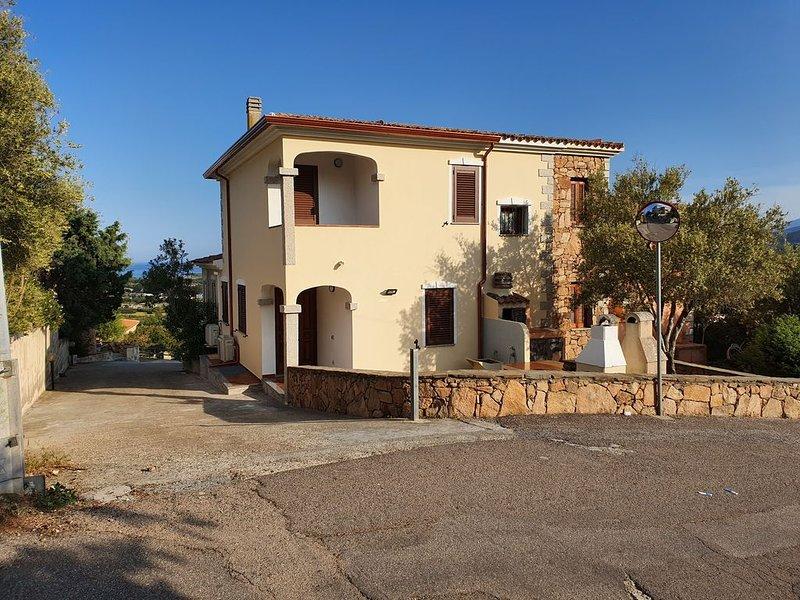 Villetta caposchiera vista mare (ENG speaking), casa vacanza a Malamurì