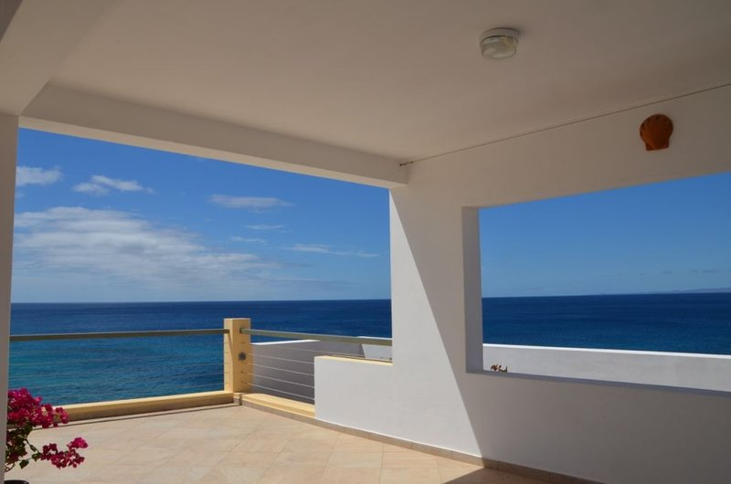 Ile de Maio, archipel du Cap vert belle villa individuelle, terrasses vue  océan, holiday rental in Vila do Maio