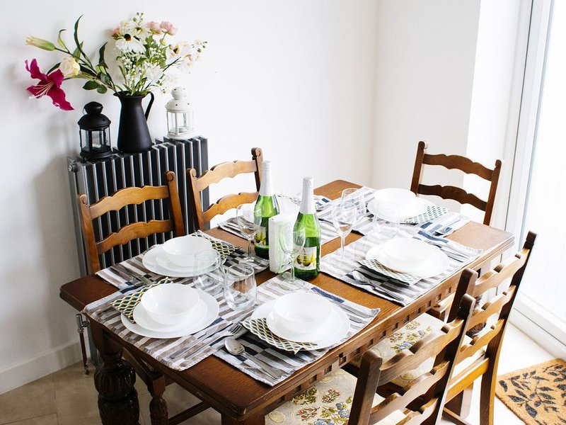 Large Family Home 15 min Central London by Tube, vacation rental in Harringay