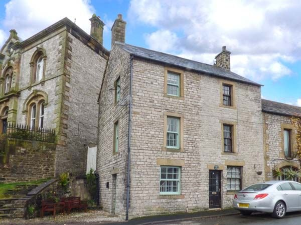 1A Market Square, TIDESWELL, holiday rental in Millers Dale