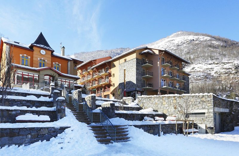 Appartement de montagne avec accès piscine intérieure | Proche du centre !, vacation rental in Ascou