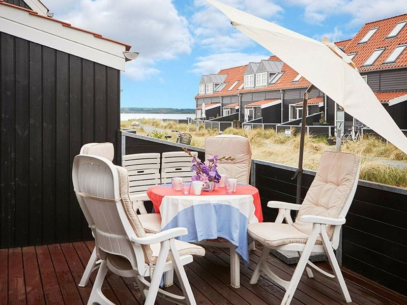 Modern Holiday Home in Juelsminde with Terrace, casa vacanza a Horsens