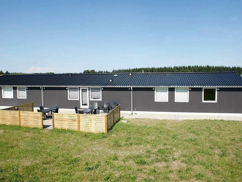 Spacious Holiday Home in Brovst with Whirlpool, Ferienwohnung in Fjerritslev