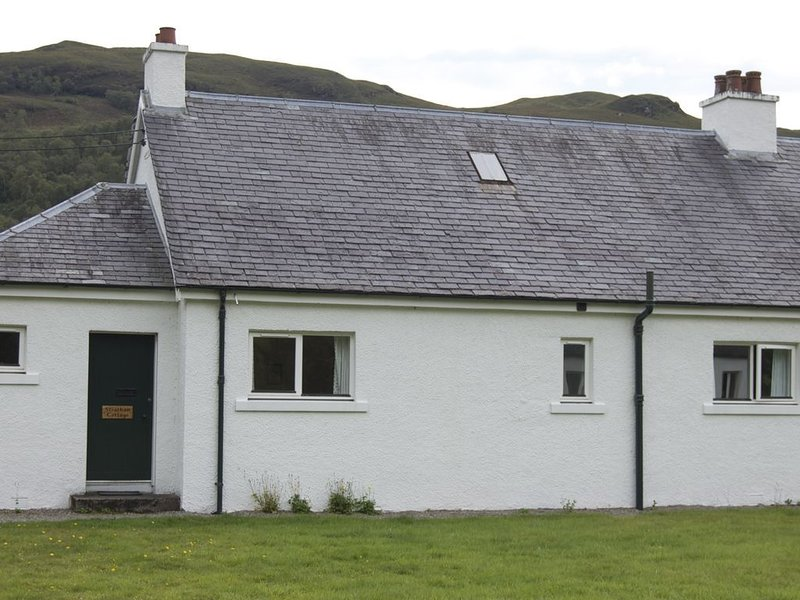 Strathan Cottage,Attadale Holiday Cottages, Attadale, Strathcarron, Ross-shire, location de vacances à Morvich
