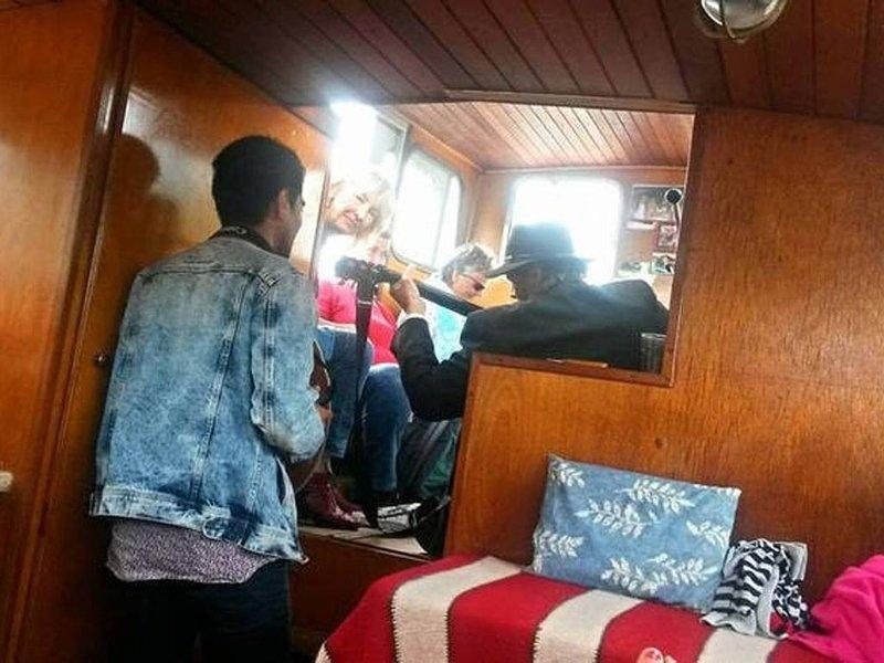 Sleeping on a motor Yacht, holiday rental in Baambrugge