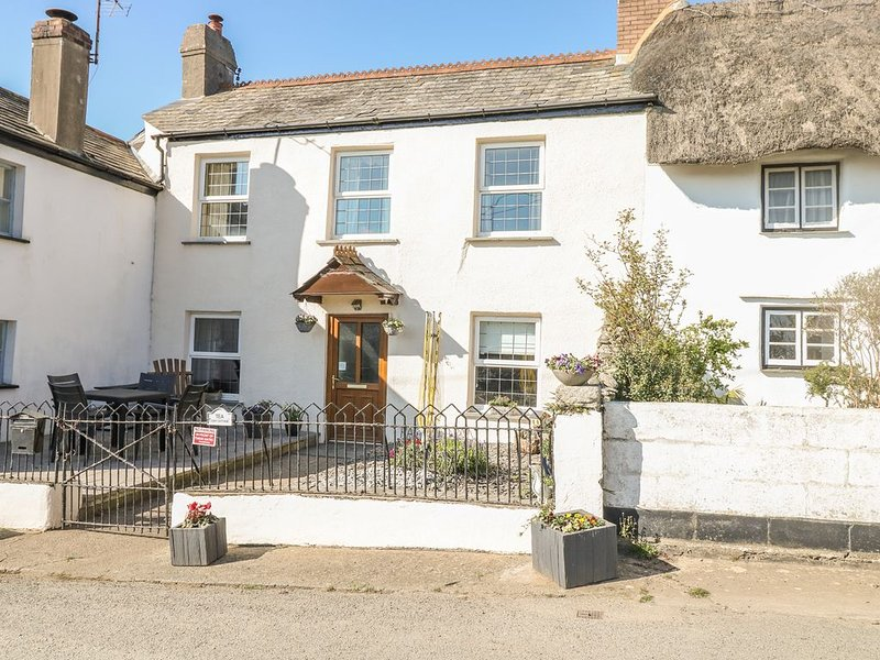 Tea Cosy Cottage, MARHAMCHURCH, holiday rental in Stratton