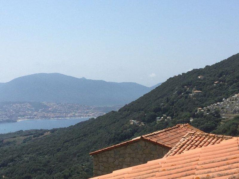 Maison de village pour famille, vacation rental in Petreto-Bicchisano