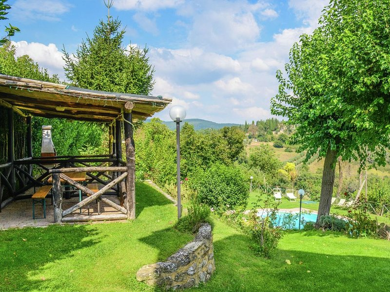 Superb Holiday Home in Umbria With Swimming Pool, holiday rental in Morra
