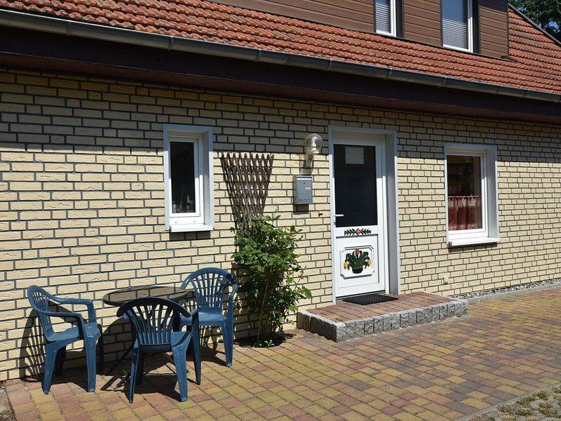 Spacious Apartment with Garden in Wieck auf dem DarB, alquiler vacacional en Wieck