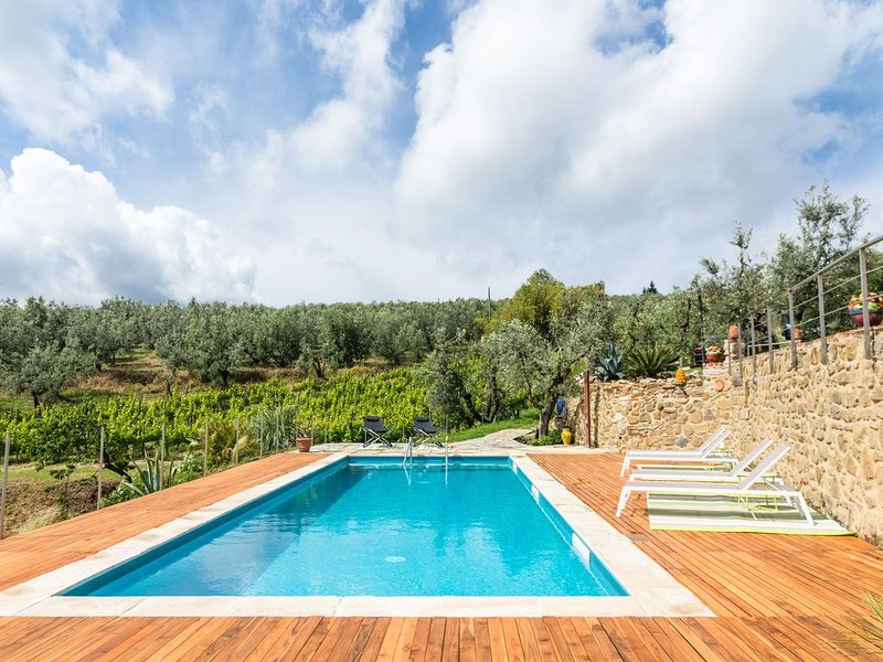 Exotic Holiday Home in Vinci with Swimming Pool, vacation rental in Mezzana