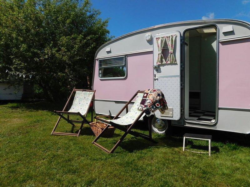Chic Vintage Caravan, vacation rental in Icklesham