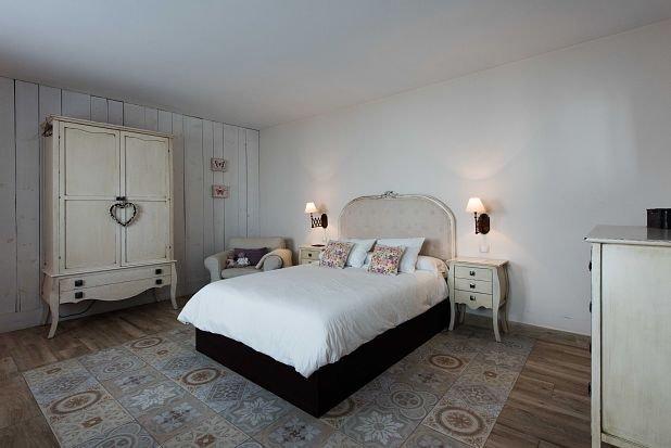 Suites de 2 a 4 Plazas, holiday rental in Fuentelespino de Haro