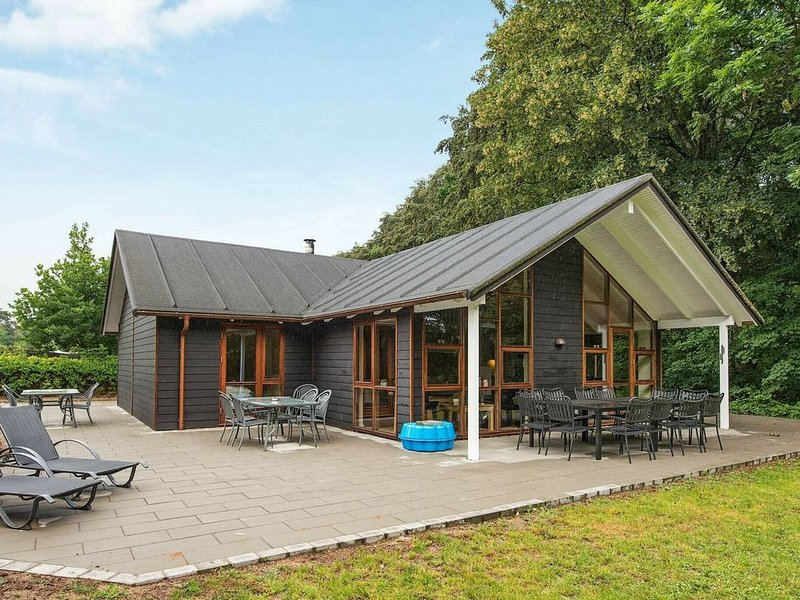 Modern Holiday Home in Aabenraa with Sauna – semesterbostad i Varnaes