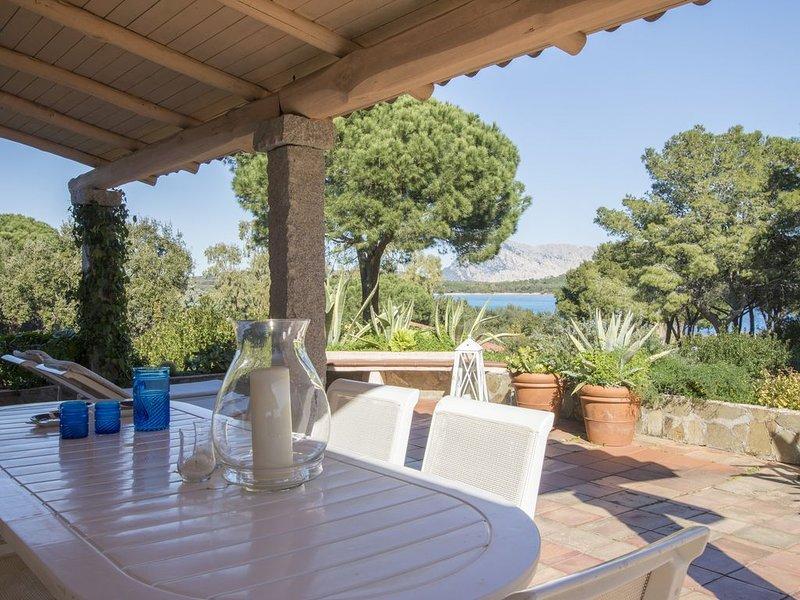 Splendida Villa vista Mare a Marina di Lu Impostu, aluguéis de temporada em Puntaldia