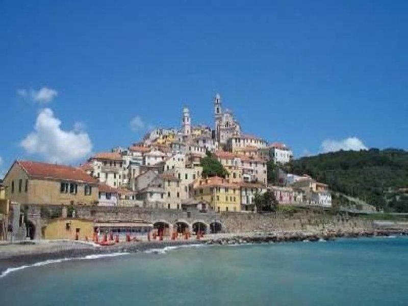 Delizioso appartamento al mare - Codice Citra 008052-LT-0102, vacation rental in San Bartolomeo al Mare