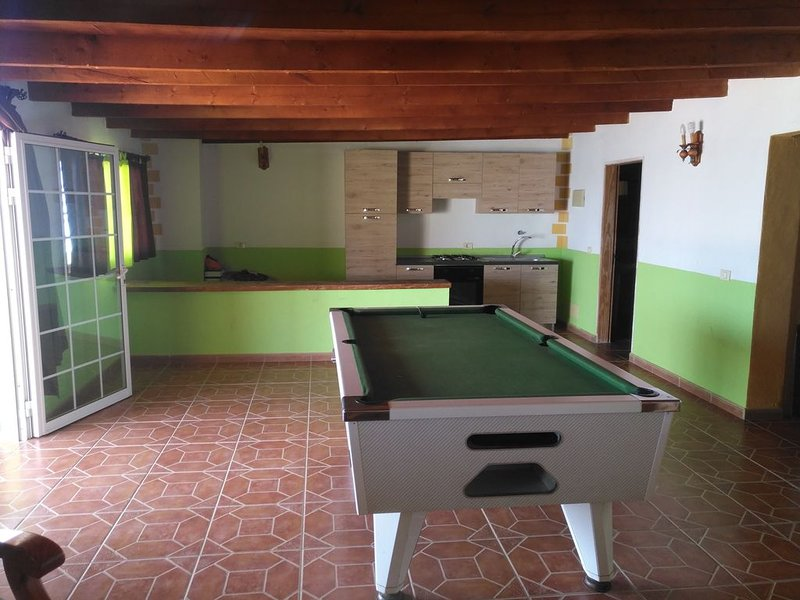 Casa junto al mar playa las arenas tajao, vacation rental in San Miguel de Tajao