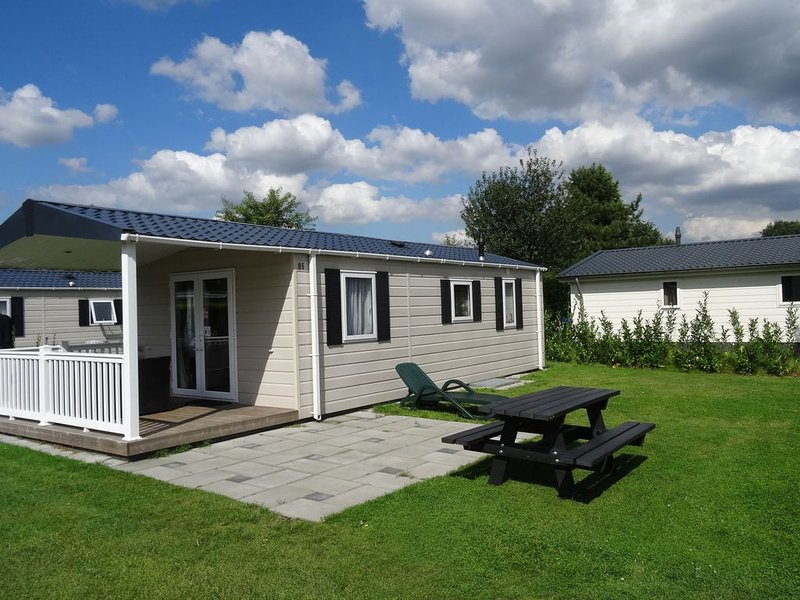 Well-furnished chalet near the Loonse and Drunense Duinen, vacation rental in Cromvoirt