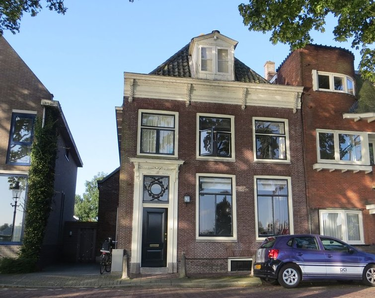 Family house close to Amsterdam with river view, holiday rental in Baambrugge