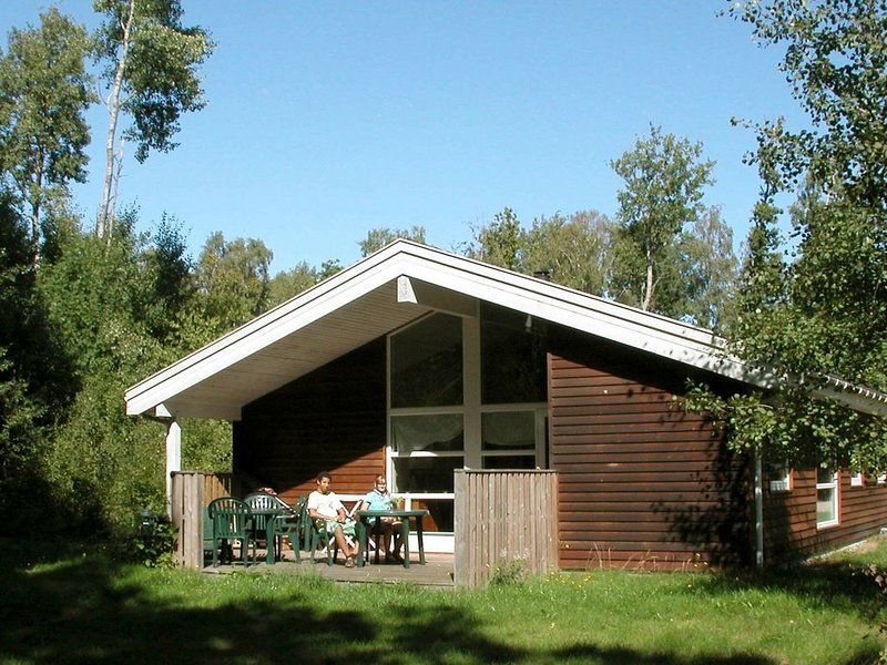 Beautiful Holiday Home in Hasle near Sea, vacation rental in Roenne