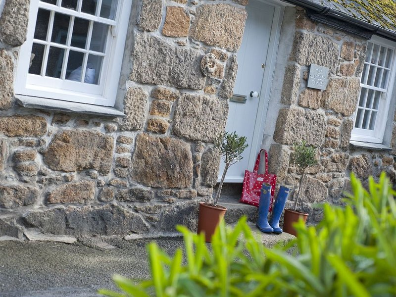 The Langley Tarne, a dog friendly,  luxury bolt-hole retreat for two in West Cor, location de vacances à Mousehole