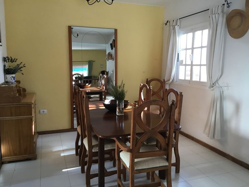 Large detached four bed villa with large heated swimming pool., holiday rental in Nazaret