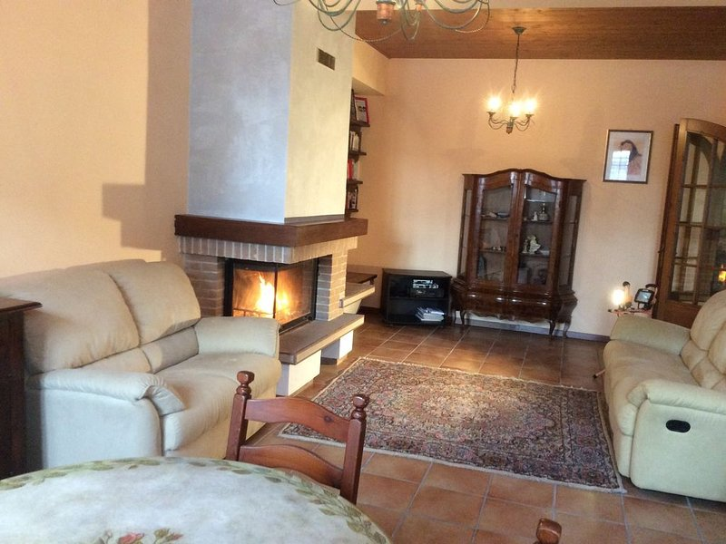 Casa di campagna per 7 persone, vacation rental in Clauzetto